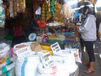 sembako-di-pasar-karombasan-manado-sulawesi-utara-minggu-1582021.jpg