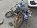 sepeda-motor-yamah-rx-king-yang-ringsek-akibat-kecelakaan.jpg