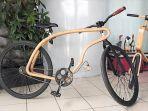 sepedadari-kayu-inovatif-ini-diharapkan-dapat-atasi-macetnya-jakarta_20180329_232411.jpg