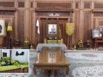 seperangkat-gamelan-terpasang-di-ruang-depan-rumah-presiden-soeharto.jpg