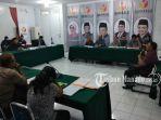 sidang-gugatan-sengketa-pemilu-di-kantor-bawaslu-sulawesi-utara_20180806_202343.jpg