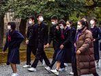 siswa-siswa-di-jepang-mengenakan-masker.jpg