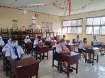 siswa-siswi-smp-mulai-mengikuti-ujian-sekolah-1212.jpg
