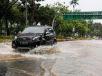 soal-mobil-mesin-turbo-lebih-berisiko-saat-terjang-banjir-simak-penjelasan-pakar-berikut-ini.jpg
