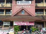 spanduk-ahok-di-kelurahan_20161124_153709.jpg