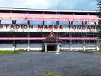 stadion-maesa-tondano-kabupaten-minahasa-provinsi-sulawesi-utara-terpantau-sudah-kurang-terawat.jpg