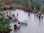 suasana-danau-linow-resort-saat-libur-hari-waisak.jpg