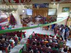 suasana-natal-di-gedung-gereja-masehi-injili-di-minahasa-gmim-eben-heazer-ranomerut-eris.jpg