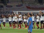 suasana-persiapan-bali-united-dan-persik-kediri-di-kick-off-perdana-bri-liga-1-2021.jpg