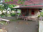 suasana-rumah-duka-di-desa-tondei-2-kecamatan-motoling-barat-kabupaten-minselfhgh8.jpg