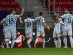 suasanya-perayaan-gol-alejandro-papu-gomez-pada-laga-grup-a-copa-america-2021.jpg
