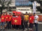 suporter-vietnam-datang-ke-stadion-rizal-memorial.jpg