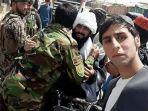taliban-berpelukan_20180618_100054.jpg