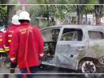 tangkapan-layar-satu-unit-mobil-terbakar-347473.jpg