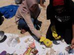 temuan-sampah-di-laut-indonesia_20180925_121955.jpg