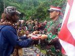 tenius-tabuni-anggota-kkb-papua-kembali-ke-nkri-dan-pimpinan-opm-yapen-timur-kris-nussy-sineri.jpg