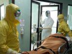 tim-medis-rsup-sanglah-dalam-simulasi-penanganan-pasien-terjangkit-virus-corona.jpg