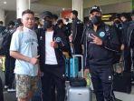 tim-sulut-united-bertolak-ke-jogjakarta-untuk-menjalani-training-camp-kamis-17062021.jpg