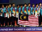 tim-thomas-malaysia-berpose-di-atas-podium.jpg