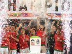 timnas-u-19-indonesia-merayakan-gelar-juara-piala-aff-u-19-2013-ditangan-pelatih-indra-sjafri.jpg