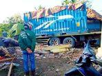 truk-kontainer-pengangkut-batubara-menabrak.jpg