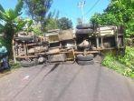 truk-tangki-pengangkut-air-terbalik-kasat-lantas-harap-warga-lebih-hati-hati-berkendara.jpg