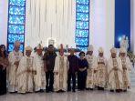 uskup-rolly-pimpin-pemberkatan-dan-peresmian-gereja-santo-nikolaus-kakaskasen.jpg
