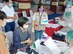 vaksinasi-yang-dilakukan-di-kabupaten-bolmong-dmdmffm.jpg