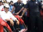video-jokowi-dan-iriana-pilih-naik-becak-saat-kampanye-di-kampung-nelayan-cirebon.jpg