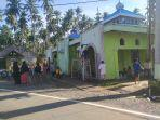 warga-di-desa-milangodaa-utara-kecamatan-tomini-kabupaten-bolsel.jpg