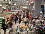 warga-malaysia-panik-serbu-supermarketnegaranya-berlakukan-lockdown-singapura-terpukul.jpg