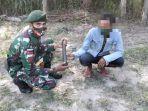 warga-perbatasan-indonesia-timor-leste-serahkan-granat-kepada-tni-sdfdgdfg.jpg