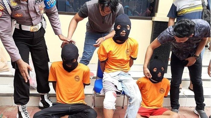 6 Fakta Pembunuhan & Pemerkosaan Gadis Baduy Ditinggal Kakak Mencari Burung, Perlawanan Kuat Korban!