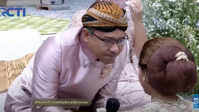Tangis Anang Hermansyah Sampaikan Wejangan untuk Aurel di Momen Siraman, 'Jangan Kasar'