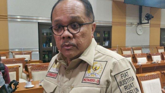 Anggota Komisi III sekaligus politisi PDI-P Junimart Girsang saat ditemui di gedung Nusantara II, Kompleks Parlemen, Jakarta, Rabu (31/1/2018).