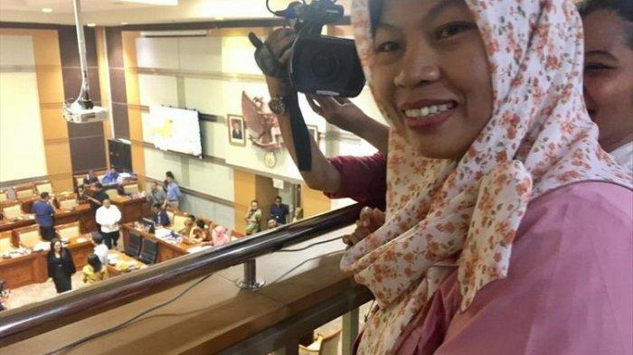 Amnesti Disetujui DPR, Lalu Isnaini, Suami Baiq Nuril, Sujud Syukur, Telepon Anak di Lombok Tengah