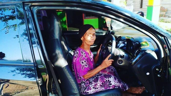 POPULER Dulu Dikucilkan karena Anak ART & Tak Punya Ayah, Kini Ia Bisa Belikan Sang Ibu Mobil Mewah