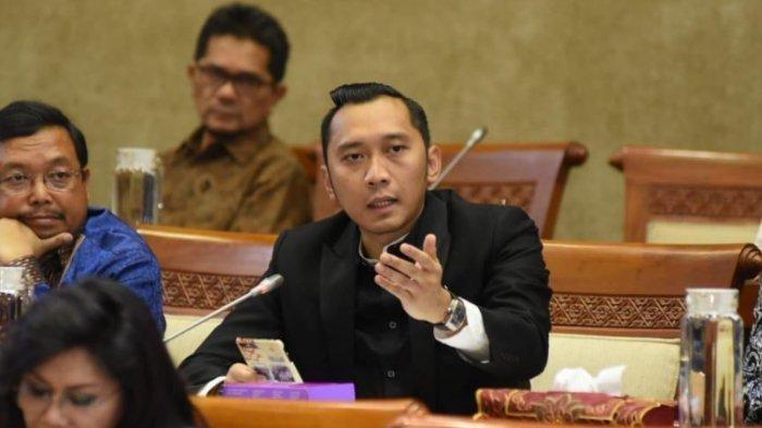 Edhie Baskoro Yudhoyono alias Ibas memberikan kritik terkait kelangkaan tabung oksigen di Indonesia.