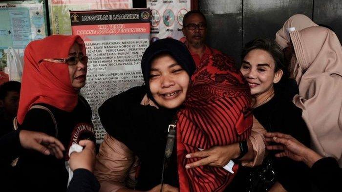 6 Bulan Jalani Hukuman Emak-emak Pepes Akhirnya Hirup Udara Bebas, Penuh Tangis Haru & Janji Begini