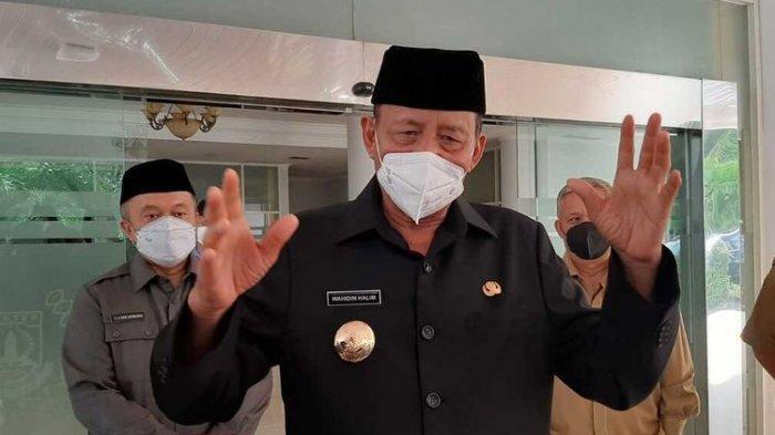 Gubernur Banten Wahidin Halim tolak honor Satgas Covid-19.