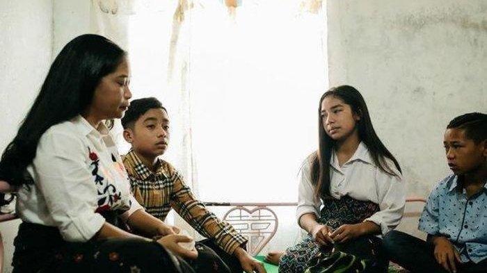 Ibu Kandung Betrand Peto Menangis Merasa Diperlakukan Beda Sang Putra, Tapi Sadari 'Kesalahan' Ini