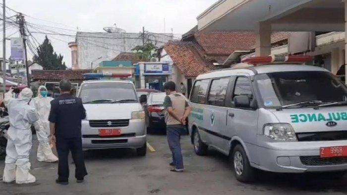 Viral Warga Butuh Pelayanan, Puskesmas Tutup & Terdengar Musik dari Dalam, Petugas: Enggak Ditolak