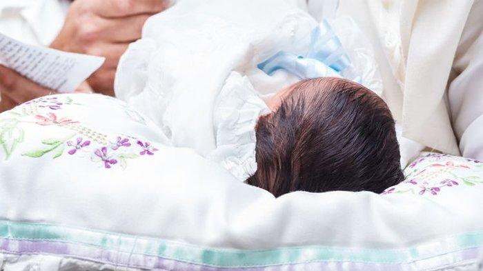 Tangis Bayi Dibuang di Sebuah Ember di Rumah Kosong, Wanita Misterius Mendadak Datang Ngaku Ibunya