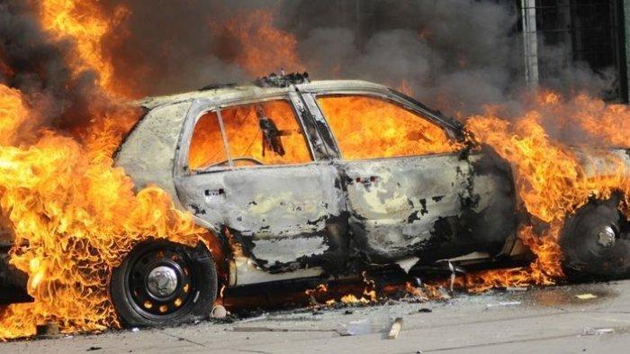 Ilustrasi - mobil meledak setelah isi bensin di SPBU daerah Sumenep.
