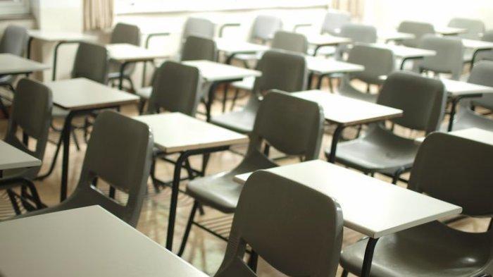 Berikut curhat wali murid di Surabaya yang dipaksa beli seragam Rp 1,5 juta padahal gaji sebulan hanya Rp 2,5 juta.