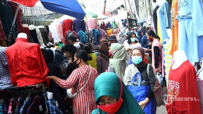Nekat Berjubel Demi Belanja, Para Pembeli Kini Panik saat Tahu Seorang Kasir Positif Virus Corona