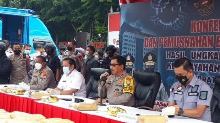 POPULER Benarkah 2 Kapolda Dicopot karena Persaingan Bakal Kapolri? IPW : Geng Solo Calon Kuat