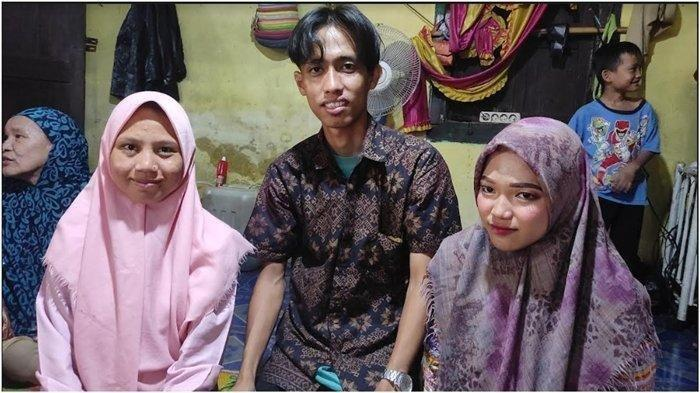 Jekklip dijumpai kediamannya di Empat Lawang Sumsel, Kamis (9/9/2021). Ia viral lantaran menikahi dua wanita sekaligus yakni Linda dan Vivin.