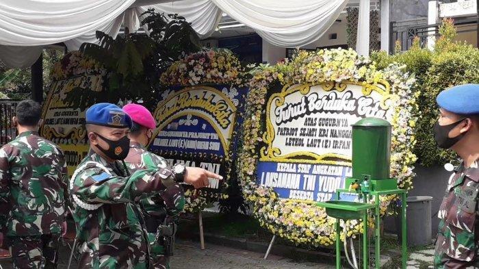 LetkolLaut(E)IrfanSuri Sempat Cat Rumah di Hari KRI Nanggala 402 Hilang, Kini Ramai Pelayat