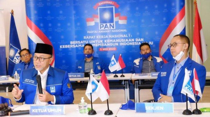 Ketua Umum PAN Zulkifli Hasan menegur tiga anggotanya yang mengeluarkan pernyataan kontroversial terkait penanganan covid-19.